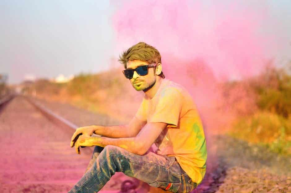 how to remove holi color from face